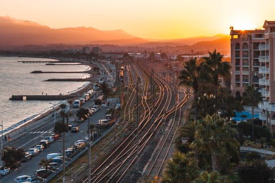 Transfert gare Cannes vers aeroport de Nice en Navette avec chauffeur